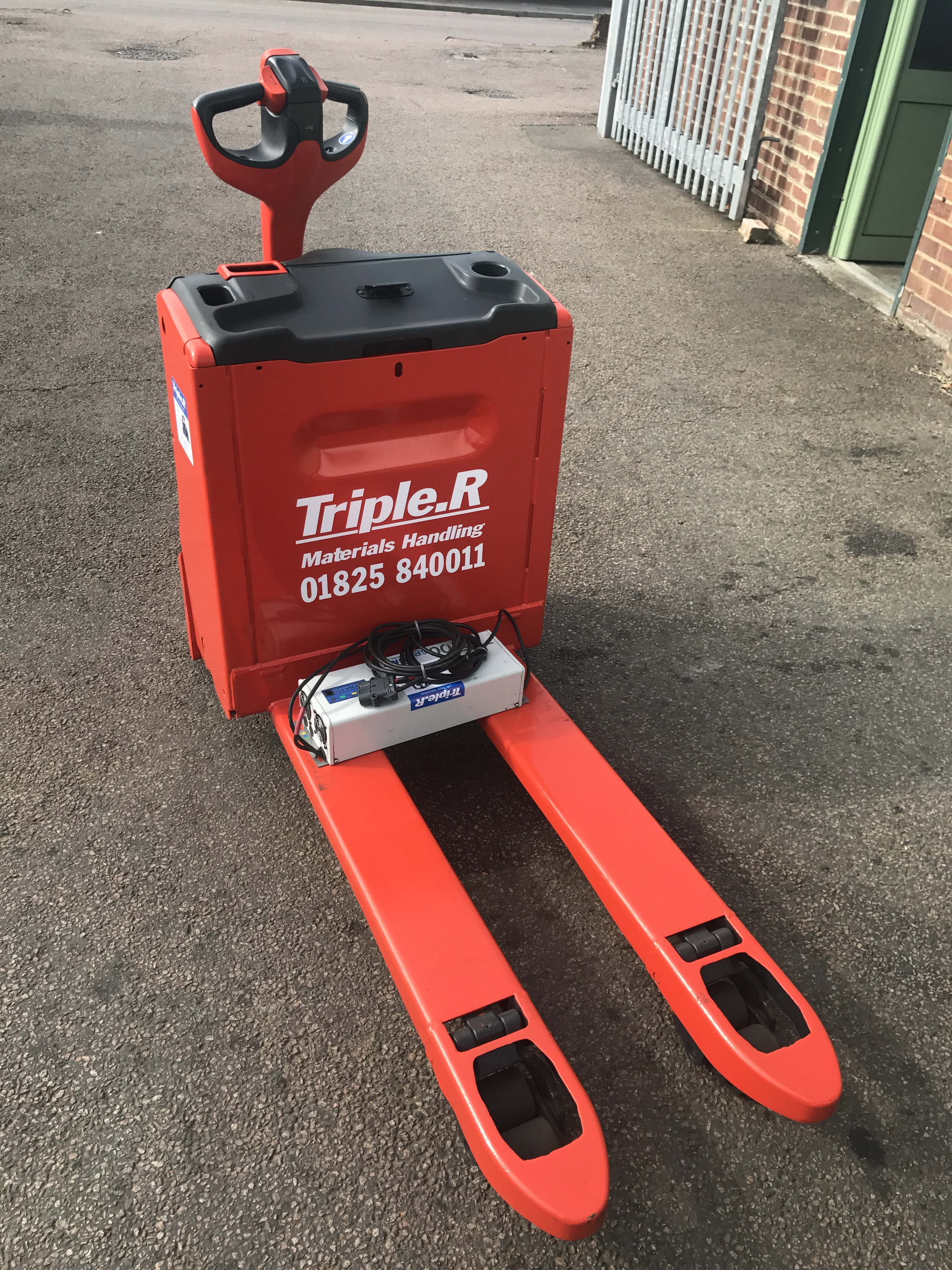 Linde Electric Pallet Trucks - Starting at £